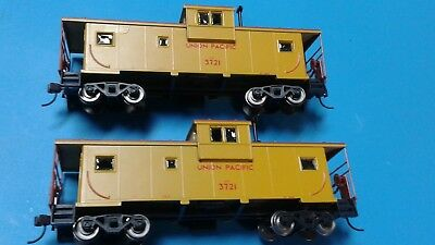 Model Power METAL TRAIN  UP CABOOSE #3722, HO SCALE