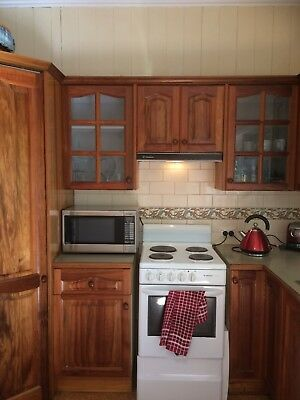 secondhand timber kitchen in great condition