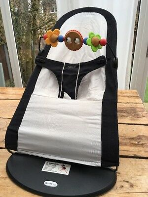 Baby Bjorn Bouncer with toy bar In black / silver grey - excellent condition