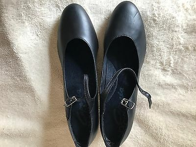 Capezio Women's  650 Student Footlight Black Leather Shoes Size 7 M