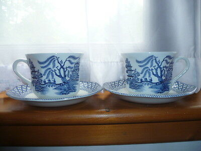 "A Pair Of J.& G. Meakin ""liberty"" Blue & White Willow Pattern Tea Cups & Saucers"