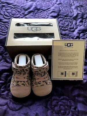 Ugg baby girl boots 0-6 month