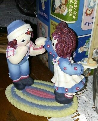 """Enesco Raggedy Ann & Andy  Figurine """"friend's Like You Are A Special Treat"""""""
