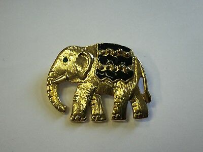 Stunning Vintage Estate Find Signed Goldtone Elephant Brooch Pin W/ Green Eye A9