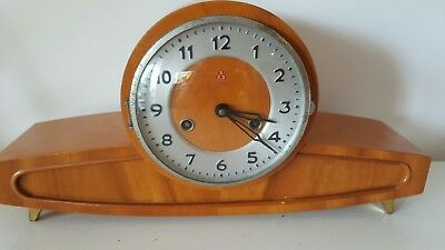 Art deco / vintage mantlepiece wooden clock