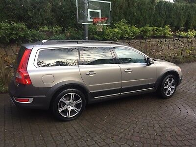 2012 Volvo XC70  2012 Volvo XC70 T6 Turbo Fully Loaded BUILT IN BOOSTER SEATS - Great Condition!!
