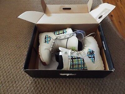 DC-Shoes-PHASE-Womens-Lace-Up-Snowboard-Boots-NEW-IN-BOX , size 7