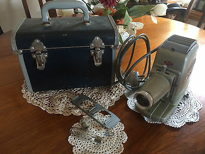 Vintage Aldis Ii Slide Projector And Cheney England Hard Shell Case Man Cave