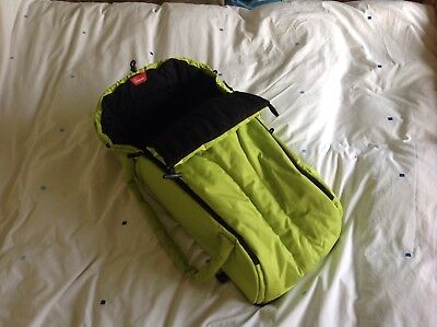 Phil&Teds Cocoon - Soft carry cot - Green - Excellent Condition