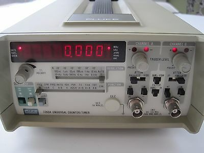 Fluke 7260A Universal Counter Timer 250Vrms  125MHz Powers On / Buttons Operate