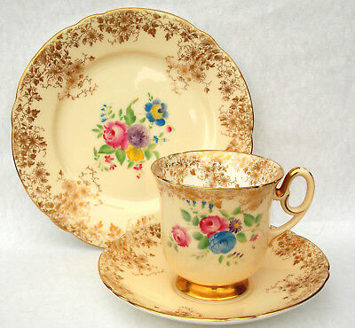 Shelley Court Shape Trio, Rare Dainty Gold Plus Flowers