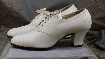 VINTAGE LEATHER LACE UP PUMP Women's Brogue Pump by DR MW LOCKE #4  WINTER WHITE