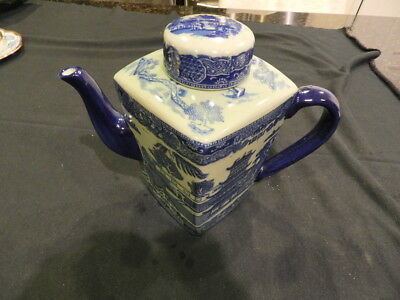 1920 's Ringtons Ltd. Tea Merchants Blue Willow Teapot Mint