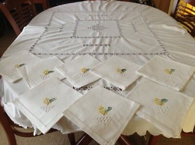 Vintage Cutwork White  Tablecloth Plus 8 Serviettes With Embroidered Corner.