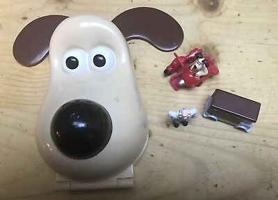 WALLACE & GROMIT   RARE BLUEBIRD POLLY POCKET -A CLOSE SHAVE ( not complete )