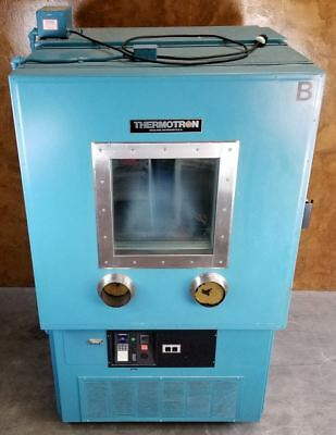 Thermotron S-32 Environmental Chamber * 2800 Digital Controller * 32 ft3 *Tested