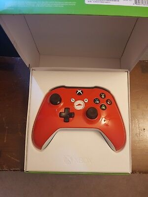Limited Edition Pizza Hut Xbox One Controller