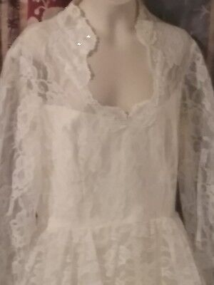 Old Vintage wedding gown size 14