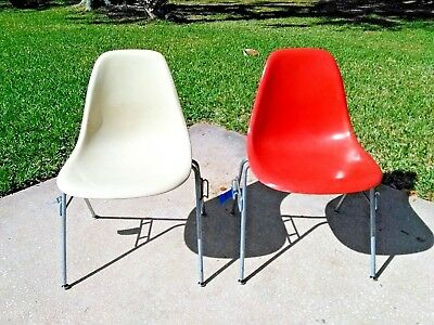 HERMAN MILLER FIBERGLASS STACKING Shell CHAIRS,1 Parchment &1 Salmon Orange