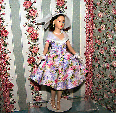 """Tiny Kitty in Garden Party Dressed 10"""" Doll Robert Tonner Fashion Doll"""