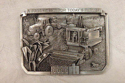 Vintage NOS CASE 1985 IH International Harvester pewter belt buckle