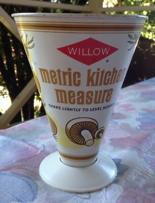 Vintage Willow 'Metric Kitchen Measure' Measuring Cup