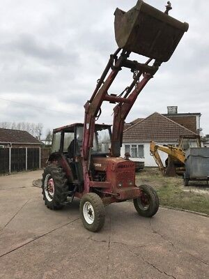 Ford 4610 Tractor Jewellair & Tiping Bucket / Loader! Runs Well.