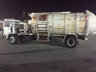 1991 Mack MS300P  1991 Mack MS300P With Old Dominion Brush Co ODB Leaf Vacuum & Packer Body Truck