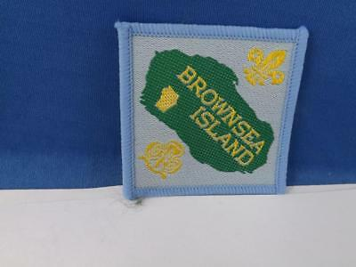 Girl Guides International Brown Sea Island Patch Collector Cloth Badge