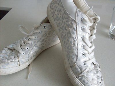 Pr. Girls 'witchery' Sneakers. Size 37. Good Con.