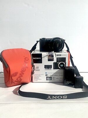 Sony A5000 Mirrorless Camera 18-50mm Lens With Carry Bag