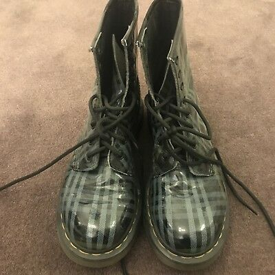 Dr Doc Martens Boots Size UK4 In Black Blue Check Patent Leather