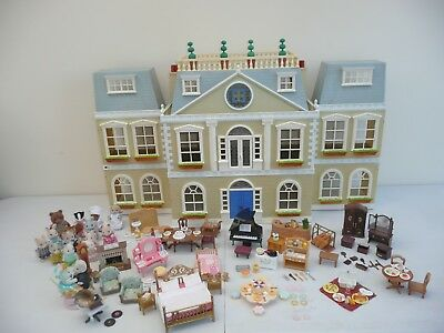 Sylvanian Families Regency /Grand Hotel 100s of accessories