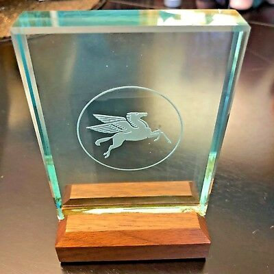 Mobil Oil Pegasus Crystal Etched Award Plaque with Wooden Stand - BEAUTIFUL! NIB
