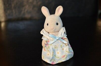 Sylvanian Families  - Kate Periwinkle - Mother Milk Rabbit - Sy321