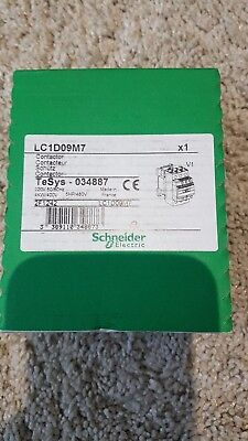 Schneider Electric LC1D09M7 , Contactor, Motor Control, 440VAC, 9A, 3-Pole, 220V