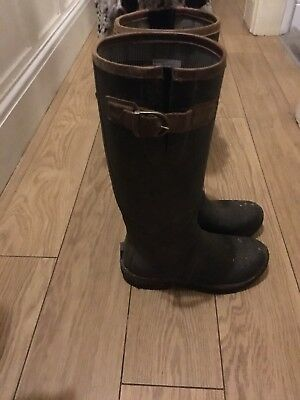 Ariat Storm Stopper Wellies Size 6