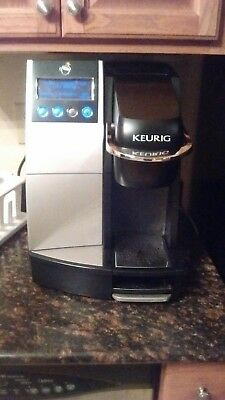 Kuerig B3000 Commercial Plumbed K-cup Brewer
