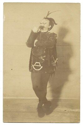 CARTE PHOTO.SPECTACLE.ARTISTE MÉPHISTO.CABARET DE L'ENFER a PARIS MONTMARTRE.