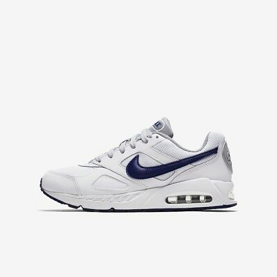 9c9202af24c92 Nike Air Max Ivo Baskets sport chaussure taille 4.5 5.5 blanc Royale  profonde