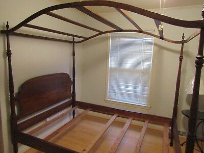 Full Size Antique Canopy bed Solid Wood - Unmarked - excellent condition : antique canopy beds - memphite.com