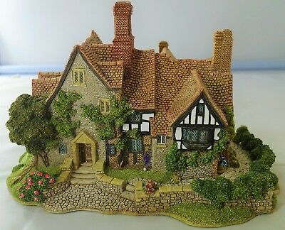 """Lilliput Lane Anne Of Cleves With Box and Deeds - 5.75"""" Tall - I167"""