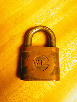 1 The Yale & Towne Mfg Co Padlock Brass Vintage Old Antique Lock NO key