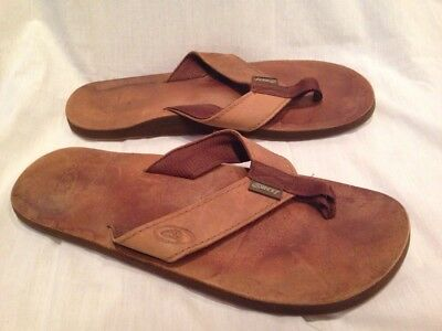 703acba8f810 Leather Mens Flip Flops Sandals Size 10  Great Shape