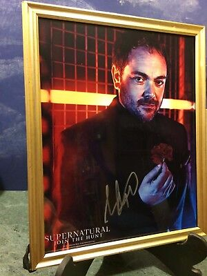 "SUPERNATURAL TV SERIES AUTOGRAPH PHOTO: MARK SHEPPARD ""CROWLEY"" with CERTIFICATE"