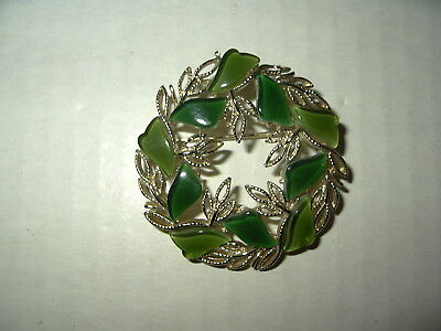 Vintage CORO Pegasus Goldtone 2 Shades Of Green Thermoset Leaves Brooch Pin
