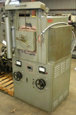 Lindberg Hevi-Duty Electric Furnace (27044)