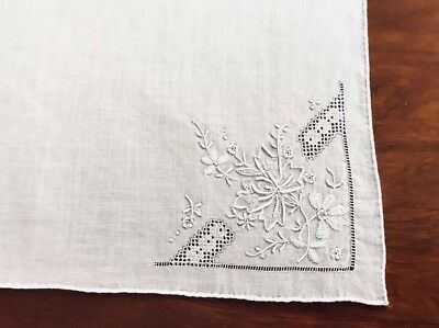Gorgeous Unused Vintage Hand Embroidered White Lawn Ladies Handkerchief