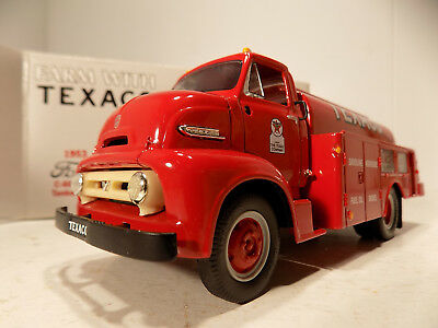 First Gear Farm WithTexaco 1953 Ford C600 Cab Over Tank Truck  # 18-2175 NOS MIB