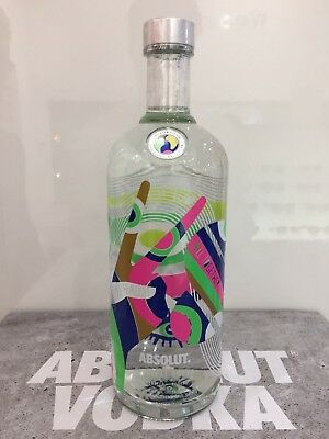 """NEW Absolut Vodka World """"Peace 4 All"""" 1000ml full & sealed Traveler's Exclusive"""